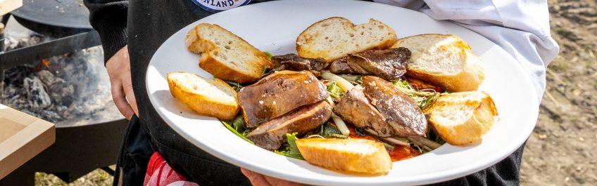 Hauhalan hanhifarmi - hanhenmaksasalaatti